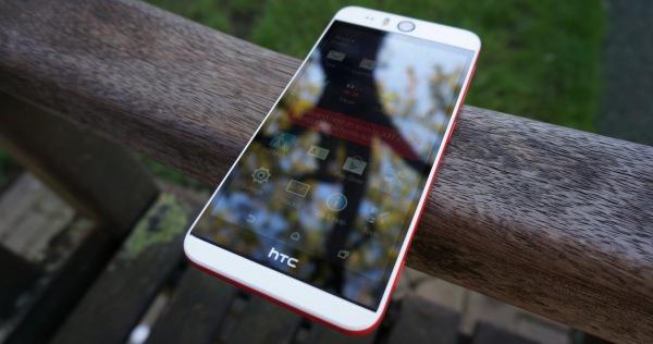экран HTC Desire Eye